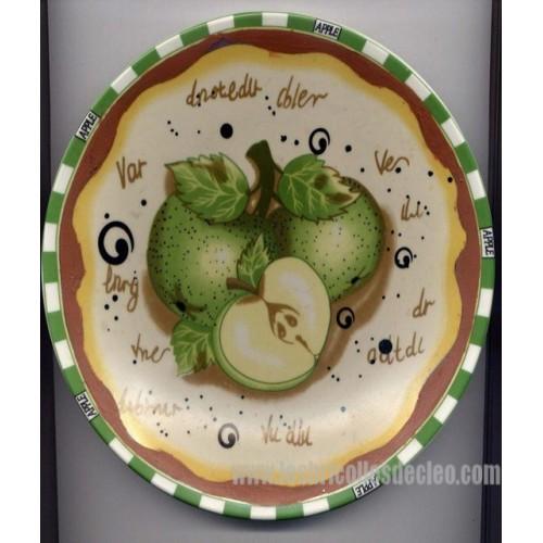assiette d corative pomme peinte mots carreaux les bricolles de cleo. Black Bedroom Furniture Sets. Home Design Ideas