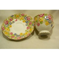 picture-Royal-Albert-Bone-China-cup-saucer-3