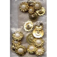 picture-buttons-flowers-crafting-3