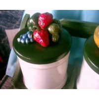 picture-pottery-jars-with-green-lids-5