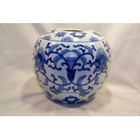 picture-blue-white-porcelain-ginger-jar-2