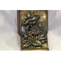 picture-gold-wall-bracket-shelf-carved-2