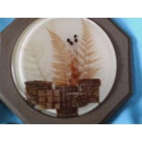 picture-framed-flowers-under-resin-4