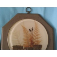 picture-framed-flowers-under-resin-3