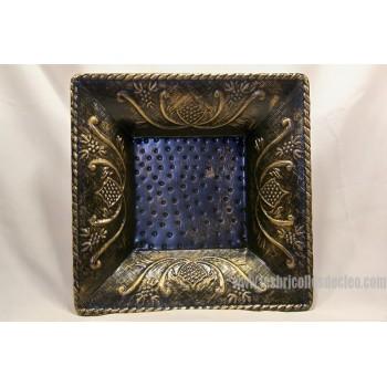 Bol décoratif carré en métal embossé
