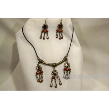 Antique gold dangling earrings necklace set