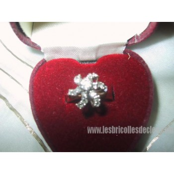 Diamond Ring Ladies 14K Gold Flower Shape
