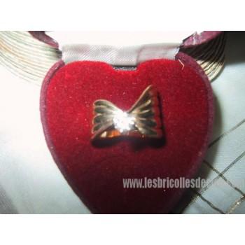 50 pts Diamond Ring Gold Ribbon Shape Ladies