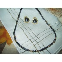 picture-Hematite-necklace-earing-set-2