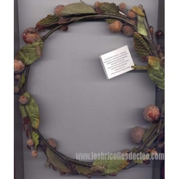 Christmas Wreath Frosted Berries Glass Beads
