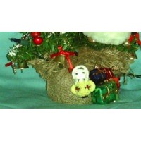 picture-handcrafted-lighted-mini-christmas-tree-2