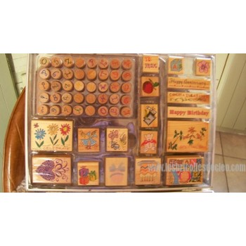 Set for scrapbooking in a transparent case