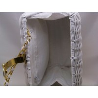 picture-white-straw-shoulder-bag-gold-trim-4